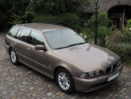 BMW 525i Touring Edition Exclusive Kalaharibeige