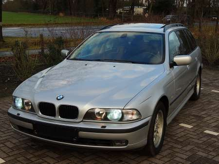 BMW 528i Touring Sterlingsilver