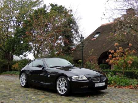 BMW Z4 3.0 SI Coupe Brilliantschwarz